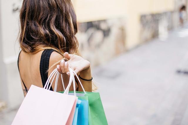 לטפל בהתמכרות לקניות